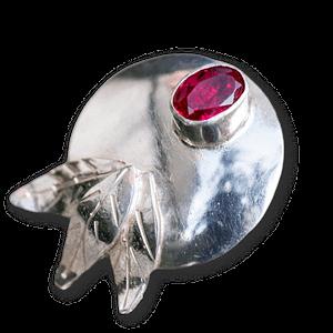 Anillo de plata y rubí