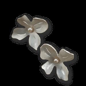 Aretes de plata en flor